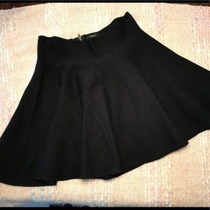 Women's Size Small Very J Black Mini/Flowy Skirt